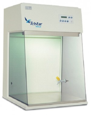 Kompaktowa nablatowa komora laminarna o poziomym przepływie powietrza