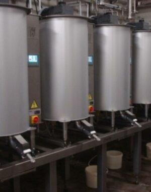 Szarżowa maszyna do temperowania czekolady i nadzień